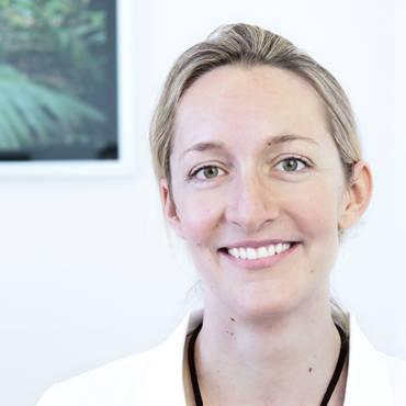 Dr. Carola Thoma